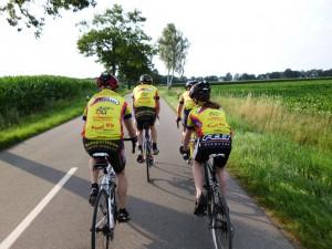 Rad fahren in der Gruppe - macht mehr Spaß und spart Kraft