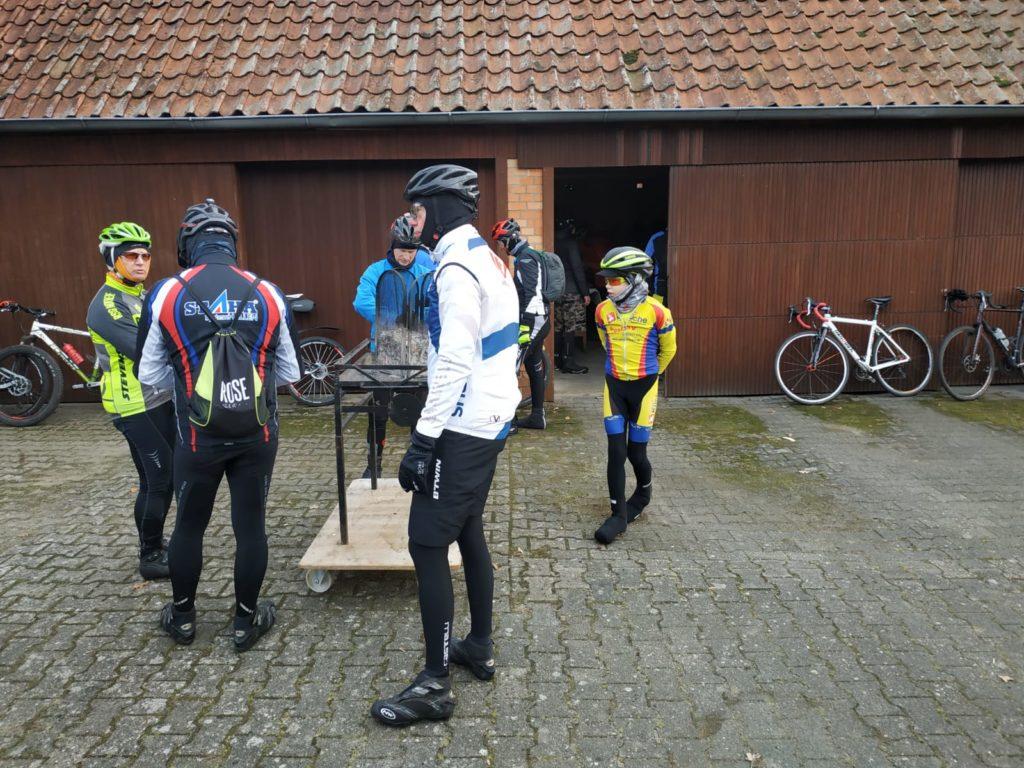 Zwischenstopp auf dem Hof der Tischlerei Stolte in Böddenstedt
